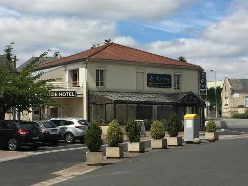 Hôtel Le Cerizay : Hotel near Combrand