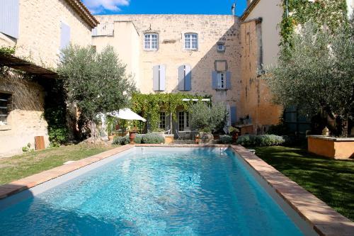 Demeure de Caractère : Guest accommodation near Saint-Paul-Trois-Châteaux