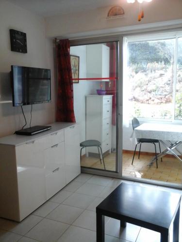Les Oliviers : Apartment near Villeveyrac