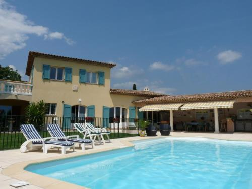 Les Jardins du Golf : Bed and Breakfast near Opio