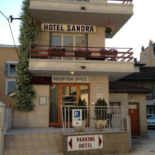 Hotel Sandra : Hotel near Saint-Théoffrey