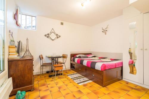 Colonel Fabien Studio : Apartment near Paris 19e Arrondissement