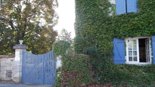 Le Clos de la Font Queroy : Bed and Breakfast near Saint-Sornin