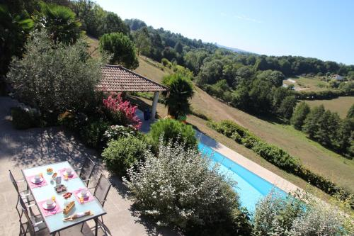 Le Vallon de Saint André : Bed and Breakfast near Marcilly-d'Azergues