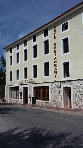 Palais Cathare : Hotel near Saint-Jean-d'Aigues-Vives