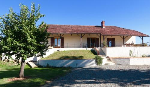 Ancienne Ecole : Bed and Breakfast near Artagnan