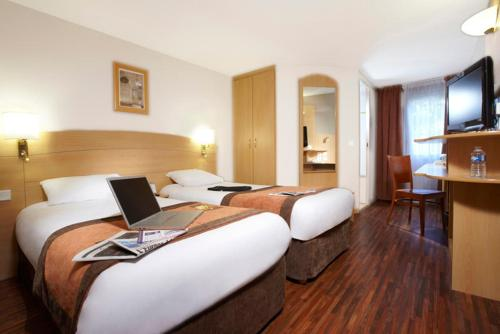Kyriad Plaisir St Quentin en Yvelines : Hotel near Millemont