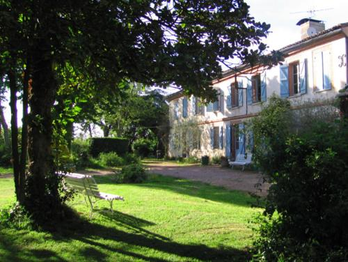 Le Domaine de Dubac : Bed and Breakfast near Villeneuve-Tolosane