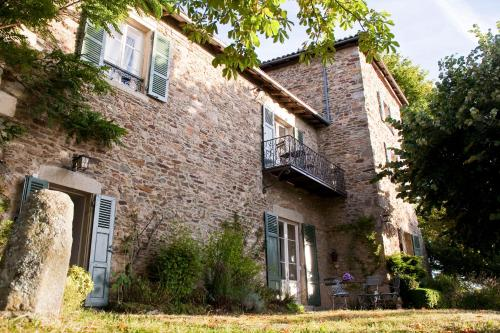 Chateau De Riverie : Bed and Breakfast near Saint-Christo-en-Jarez