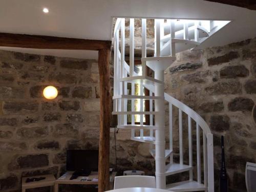 La Tour d'Anne : Guest accommodation near Survilliers