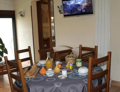 Le Chalet Elena : Bed and Breakfast near Saint-Médard-d'Eyrans