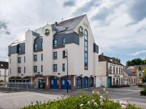 B&B Hôtel Dreux Centre : Hotel near Goussainville