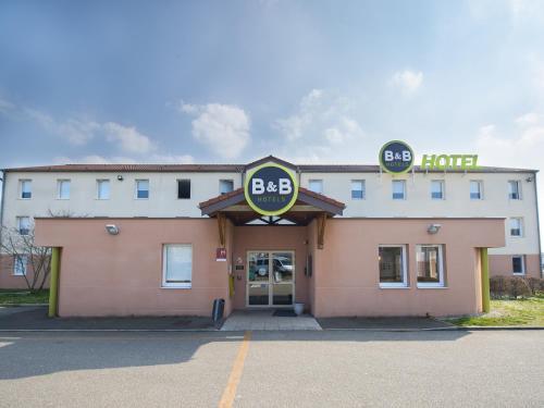 B&B Hôtel Auxerre Monéteau : Hotel near La Chapelle-Vaupelteigne