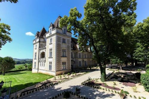 Domaine du Château de Monrecour - Hôtel et Restaurant - Proche Sarlat : Hotel near Bézenac