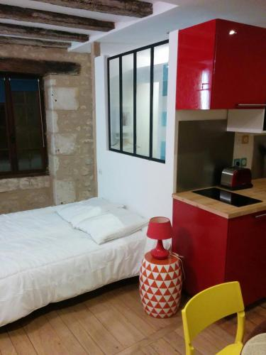 Tour Duguesclin : Apartment near Pindray