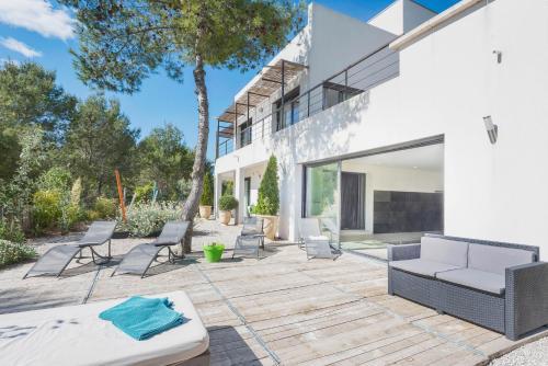 Villa Madeleine : Guest accommodation near Saint-Pierre-de-Mézoargues