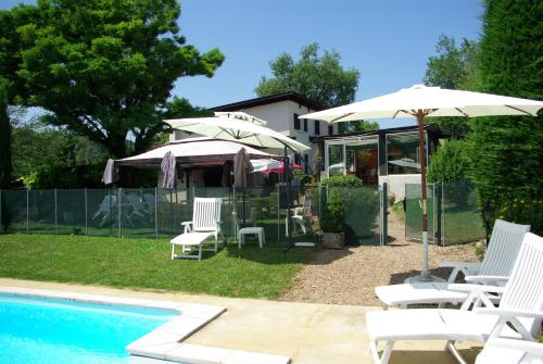 La Maison de la Noisette : Guest accommodation near Leyrieu