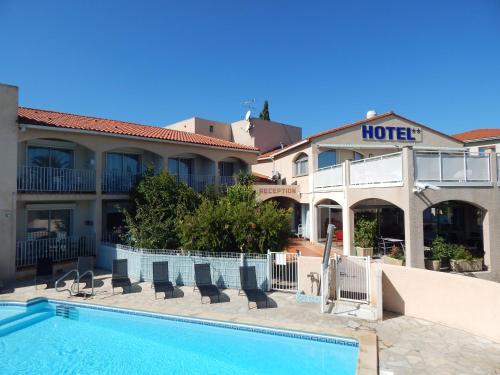 Acapella Hotel, Appartements : Hotel near Saint-André