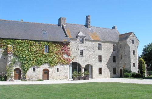 MANOIR DU QUESNAY : Bed and Breakfast near Mandeville-en-Bessin