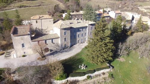 Chateau de Montfroc : Bed and Breakfast near Les Omergues
