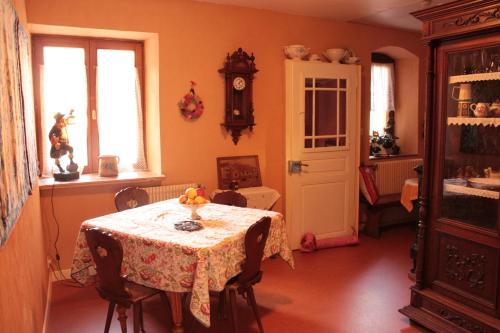 Les Hirondelles : Guest accommodation near Sainte-Croix-aux-Mines