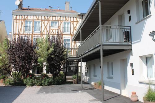 Hôtel Pasteur : Hotel near Somme-Tourbe
