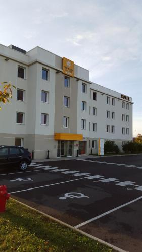 Premiere Classe Sens Nord- Saint Clément : Hotel near Courtoin