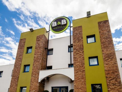 B&B Hôtel Montlhery : Hotel near Courson-Monteloup