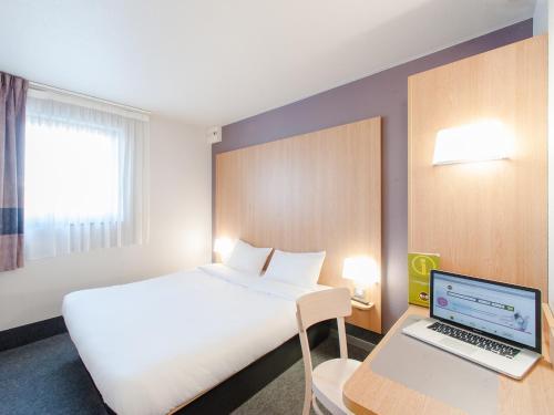 B&B Hôtel Cholet Centre : Hotel near Cholet