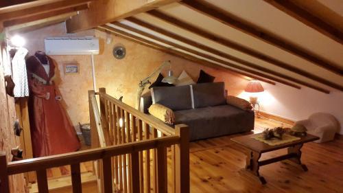 Le Chalet Camarguais : Guest accommodation near Bellegarde