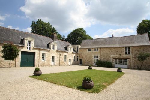 Le Domaine du Chalonge : Guest accommodation near Puceul