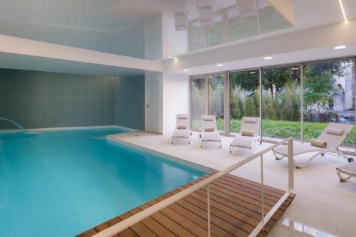 Best Western Plus Hotel Divona Cahors : Hotel near Labastide-Marnhac