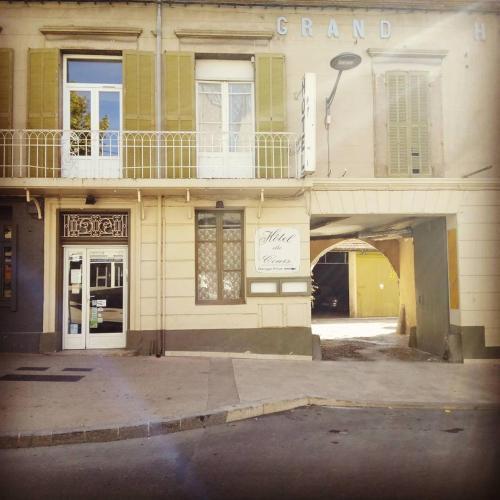 Hôtel Du Cours : Hotel near Pertuis