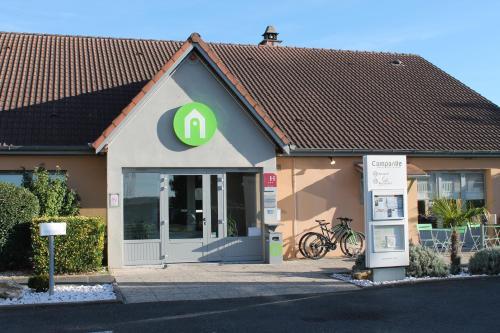 Campanile Châteauroux - Saint-Maur : Hotel near Francillon