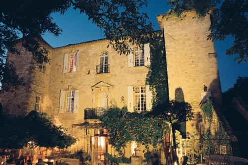 Château d'Arpaillargues Châteaux et Hôtels Collection : Hotel near Bourdic