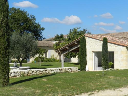 Charmante dépendance près de St Emilion : Guest accommodation near Listrac-de-Durèze