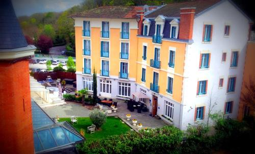 Hôtel Spa Thermalia : Hotel near Yssac-la-Tourette