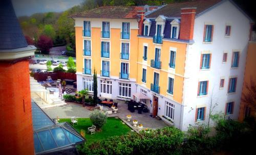 Hôtel Spa Thermalia : Hotel near Chaptuzat