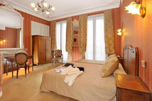 Hôtel d'Argenson : Hotel near Paris 8e Arrondissement