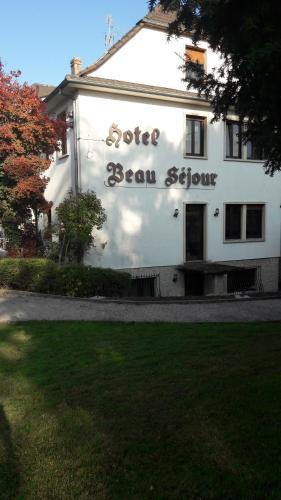 Hotel Restaurant Beau Séjour : Hotel near Gumbrechtshoffen