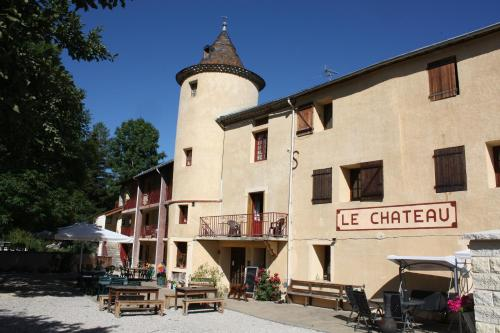 Chateau de Camurac : Bed and Breakfast near Roquefeuil