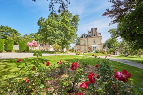 Hotel The Originals Les Villas d'Arromanches (ex Relais du Silence) : Hotel near Tracy-sur-Mer
