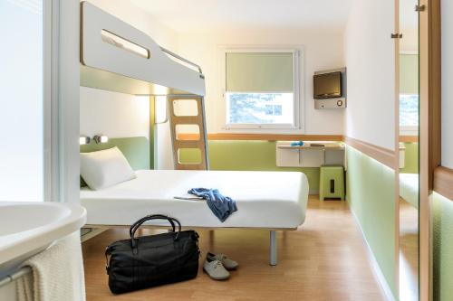 ibis budget Fontainebleau Avon : Hotel near La Chapelle-Rablais