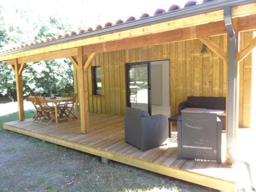 Maple Lodge : Guest accommodation near Morcenx