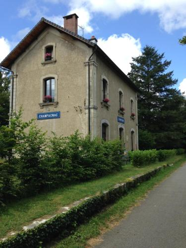 La Gare aux Oiseaux : Bed and Breakfast near Champsac