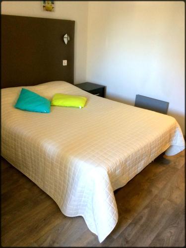 Aix Hotel : Hotel near Bouc-Bel-Air