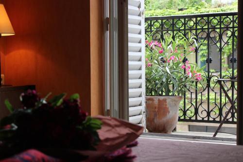 Les Jardins Du Luxembourg : Hotel near Paris 5e Arrondissement