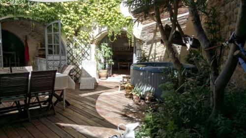 La Maison aux Oiseaux : Guest accommodation near Junas