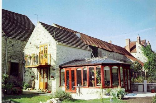 Le Biscottage Arcy-sur-Cure : Guest accommodation near Jouancy