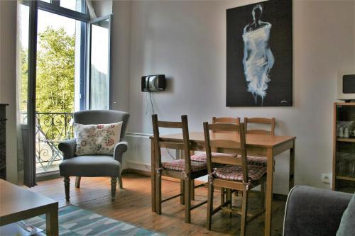 8 Allee des Bains Luchon : Apartment near Moustajon